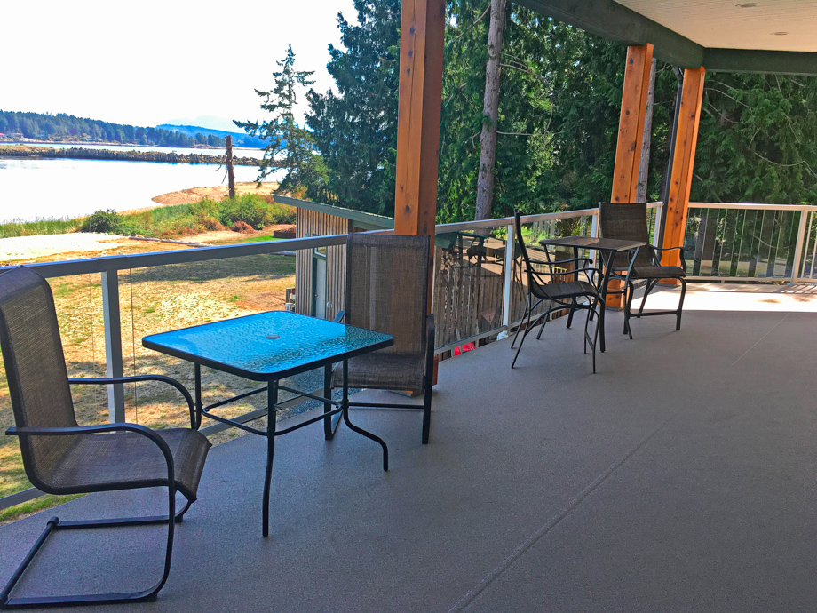 Mid suite veranda